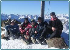 Familien im Schnee- Vals