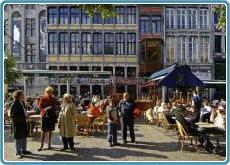 Liege - Markt & Magritte
